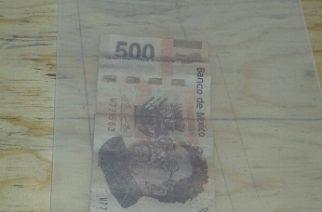 Detienen a mujer por pagar su comida con un billete falso de 500 pesos