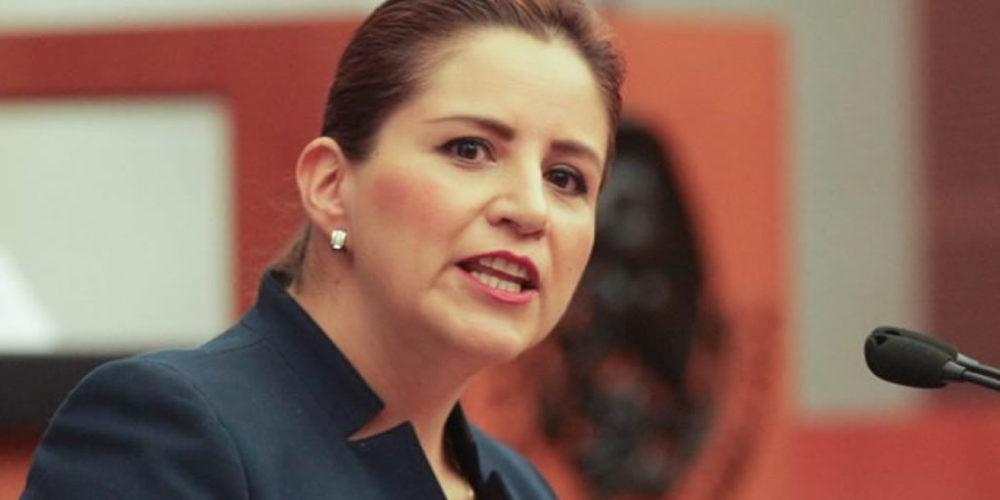 Violencia de género principal, reto para la mujer en política: Tagle