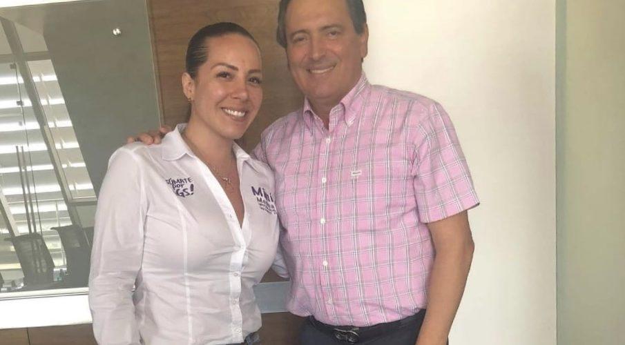 LARF presume foto con candidata a diputada del PRI en Aguascalientes