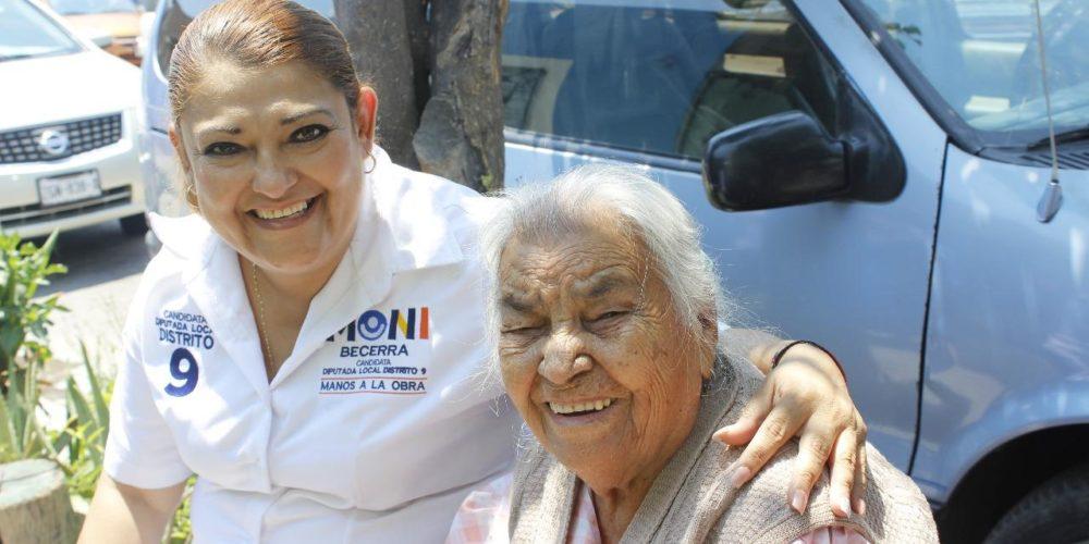 Buscará Moni Becerra destinar más recursos a adultos mayores