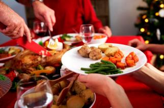 ¿Cómo evitar antojos de comida por la noche?