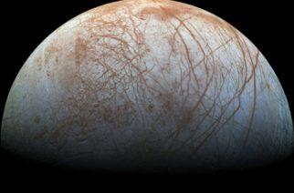 Una sonda de la NASA detectó géiseres en la luna Europa de Júpiter sin saberlo