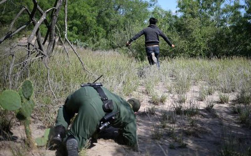 Checa como escapa sujeto de la patrulla fronteriza