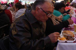 Cenar a esta hora reduce riesgo de padecer cáncer de mama y próstata