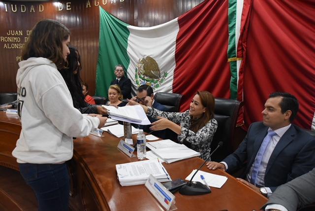Se compromete Tere Jiménez a salvar pulmones verdes de la capital