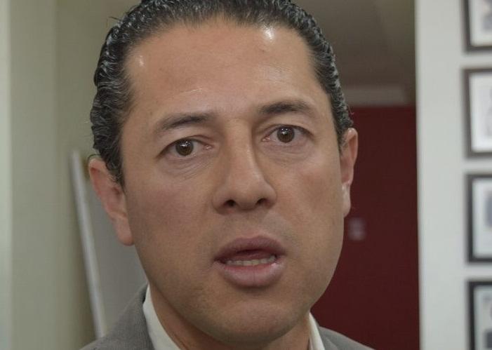 Urge quitar el dedazo en el PRI: Gustavo Granados