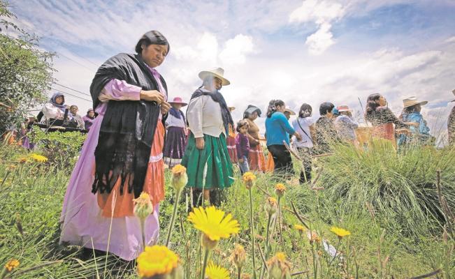 Más del 70% de los indígenas viven en situación de pobreza, advierte el Coneval