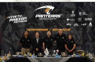 Héctor Santos es el coach de Panteras