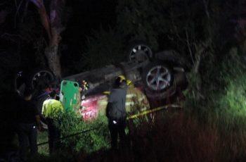 Muere joven en volcadura de camioneta en Calvillo