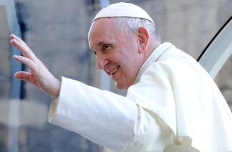 """Papa Francisco: """"El sexo no es un tabú sino un regalo de Dios"""""""