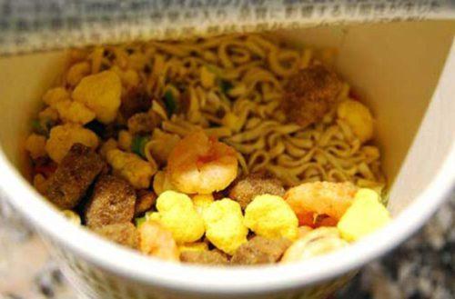 ¿Porqué es tan poco saludable comer sopa instantánea? Aquí te decimos