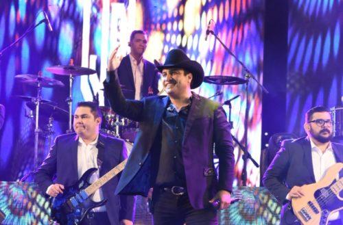 Más de 30 mil asistentes a concierto de Julión Álvarez