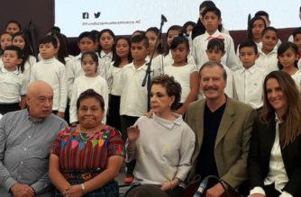 """Vicente Fox convoca a la resistencia para que AMLO """"no nos lleve entre las patas"""""""