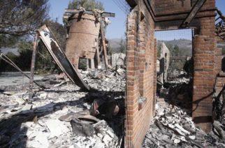 Aumenta a 42 los muertos en el gigantesco incendio de California