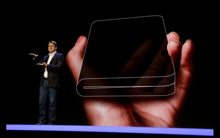 Samsung presenta su teléfono plegable