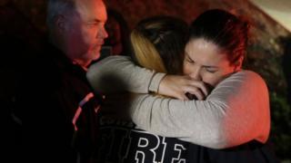 Tiroteo en un restaurante de California deja al menos 13 muertos y varios heridos