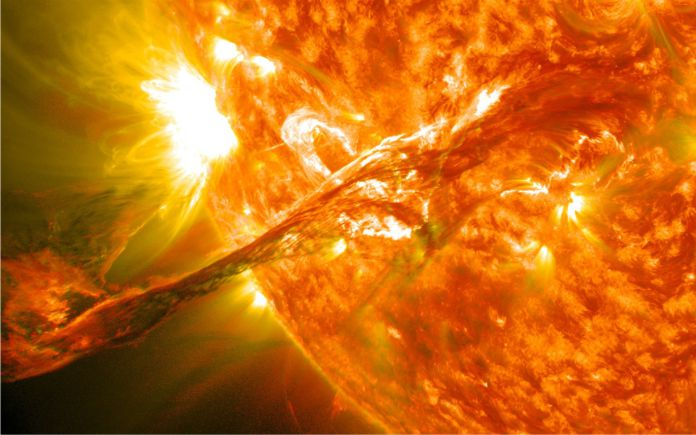 Científico revela cuánto tiempo más brillará el Sol y cómo será su final