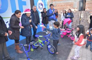 Realizan gira navideña por comunidades de Jesús María