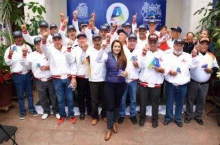 Reconoce Muniags a beisbolistas campeones de torneo nacional para mayores de 60 años
