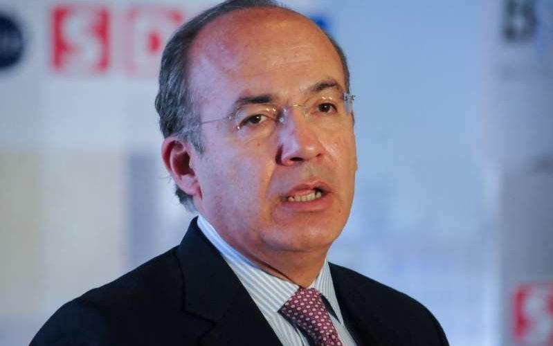 """Calderón 'presume' que combatió el huachicol """"sin afectar a consumidores"""""""