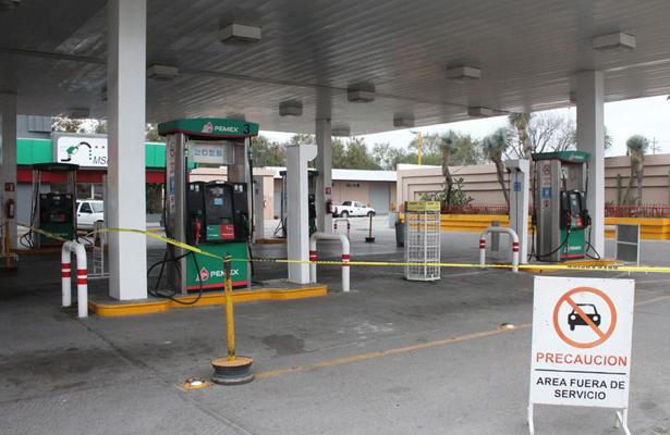 Reportan gasolineros más de 40 estaciones sin servicio