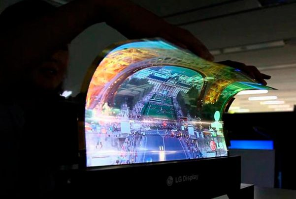 LG presenta la primera TV enrollable