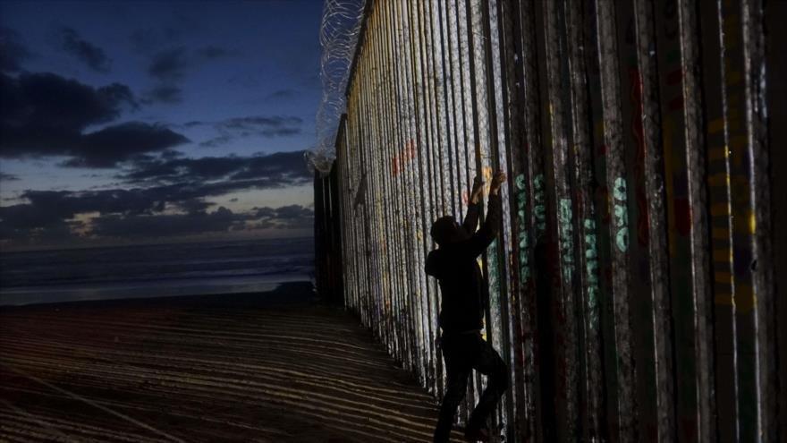 Trump propone una barrera de acero en lugar de un muro de concreto