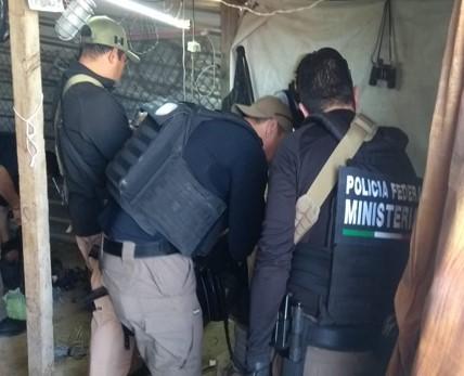 Detiene PGR a 2 mujeres y 1 sujeto a quienes les aseguran armas y droga en Ags
