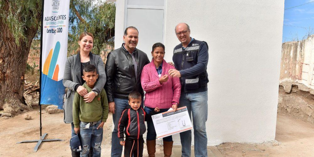 Entrega GobAgs apoyos a la vivienda por 4.5 mdp