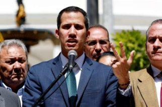 Juan Guaidó acusa a Maduro de querer 'robar' mil 200 mdd
