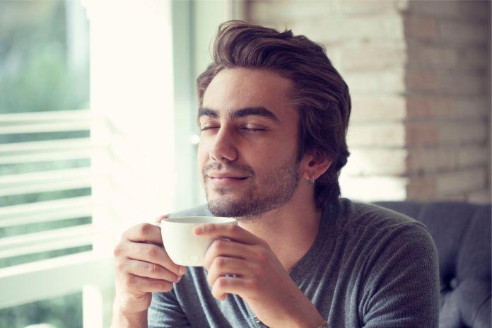 Estos son los cambios físicos en el cerebro que provocan dos tazas de café al día