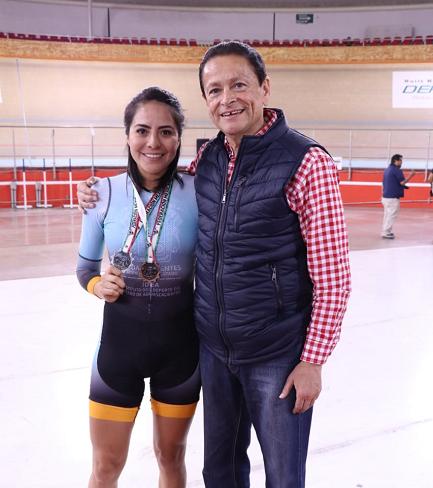 Brilla Mayra Rocha en Copa Federación de Ciclismo de Élite
