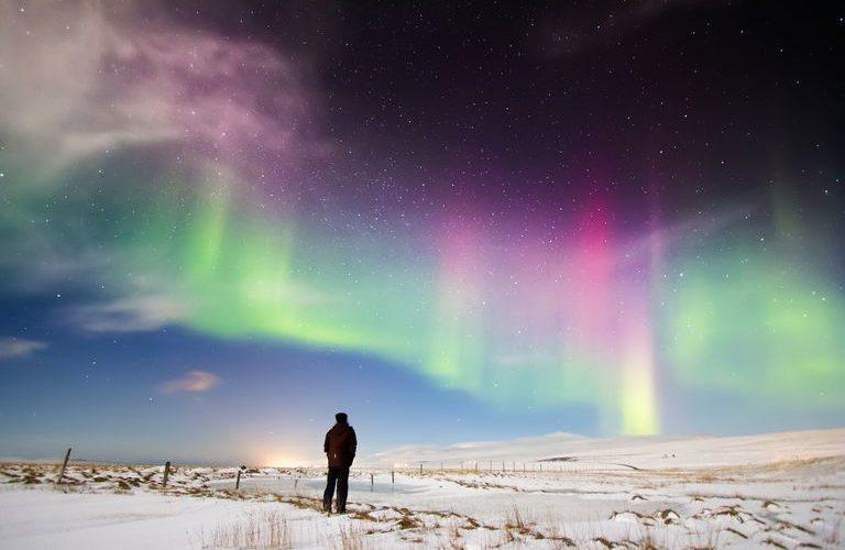 ¿Por qué las auroras polares solo se ven en los polos?