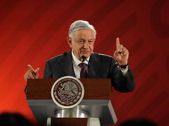 López Obrador revisará salarios de súper delegados