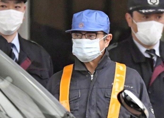 Expresidente de Nissan queda libre tras pagar fianza