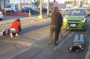 Atropellan a madre e hijo en el Barrio de San Marcos en Ags