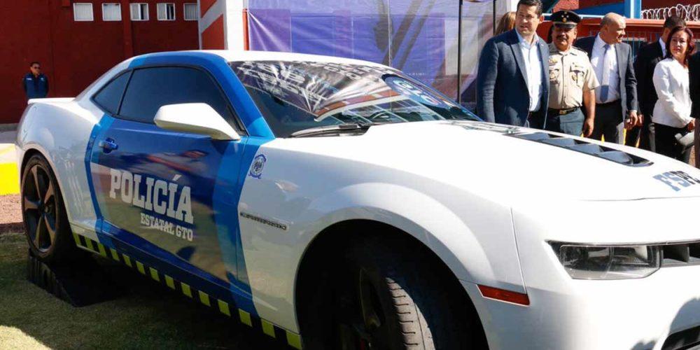 Guanajuato transforma autos de lujo decomisados en patrullas