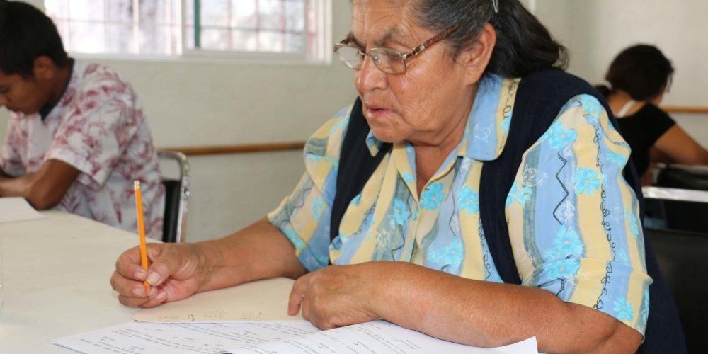 Inepja y la Sedeso aplicaron exámenes en Centros Crecer