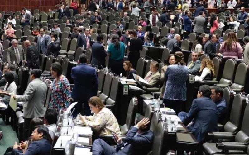 En lo general, aprueban diputados reforma laboral