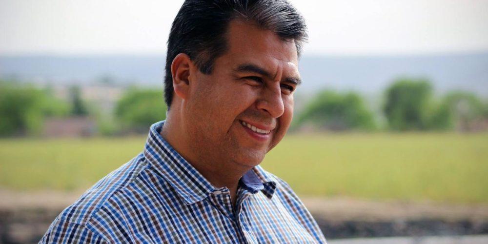 Temo Escobedo inició campaña Cero Volantes en Pabellón de Arteaga