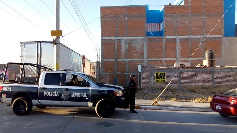 Frustran policías municipales suicidio de un hombre en Los Pericos