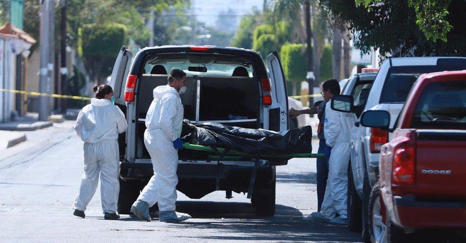 Encuentran 14 cuerpos en una fosa de Zapopan, Jalisco