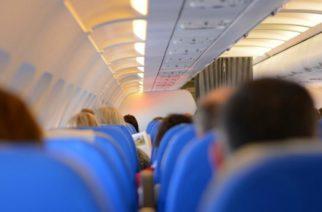 Avión sufre turbulencia y piloto pide a pasajeros que recen