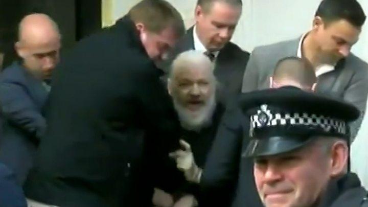 Arrestan a Julian Assange fundador de WikiLeaks en Reino Unido