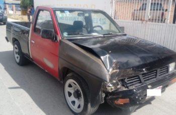 Se robó una camioneta y en la fuga se impacta contra un árbol