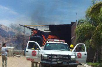 Incendio se sale de control y deja cuantiosos daños en un rancho de Calvillo