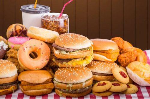 Estos son los alimentos que agravan el riesgo de depresión