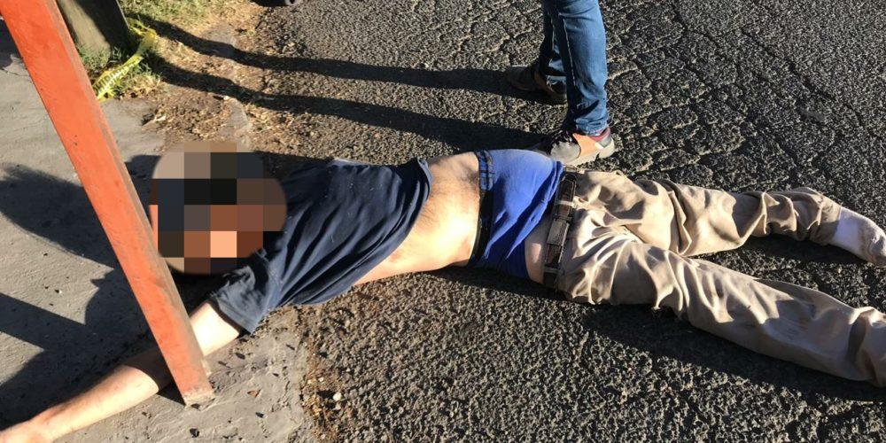 Conductor de camioneta atropella y mata a un hombre frente a la UAA