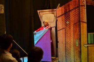 Presentan funciones de teatro gratuitas en el Corredor Carranza