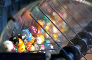 Australiana anuncia en broma que ganó la lotería y de hecho se convierte en millonaria